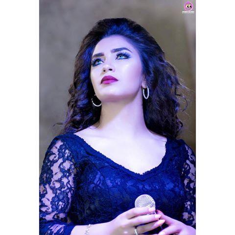 Pin By Bahar Yildiz On حلا الترك Hala Al Turk Long Hair Styles Hala Al Turk Hair Styles