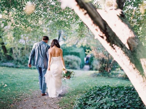 Sara & Justin - North Carolina Wedding http://caratsandcake.com/JustinandSara