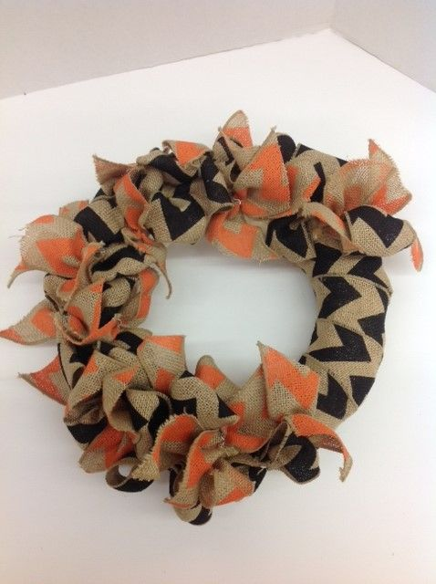 Ben Franklin Crafts Hawaii- Halloween Wreath/ straw wreath, chevron burlap ribbon in black and orange