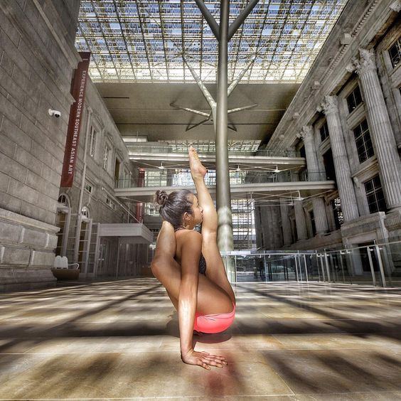 meliniseri Never give up on your dream. Be your own inspiration - Conor McGregor @thenotoriousmma meliniseri#yogaeveryday #yogaeverywhere #yogaeverydamnday #yogainspiration #yogisofinstagram #igyogis #igyoga #fitspo #fitspiration #namaste #practiceandalliscoming #practicedaily #flexible #strong #balance #practiceyogachangeyourworld #iloveyoga #yogalove #yogaglo #feeltheyogahigh #onebreathatatime #fitflowfly #yoga #ashtanga #leagueofextraordinaryyogis #advancedseries #secondseries…