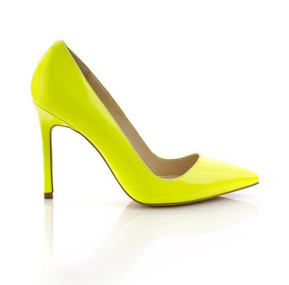 highlighter yellow pumps