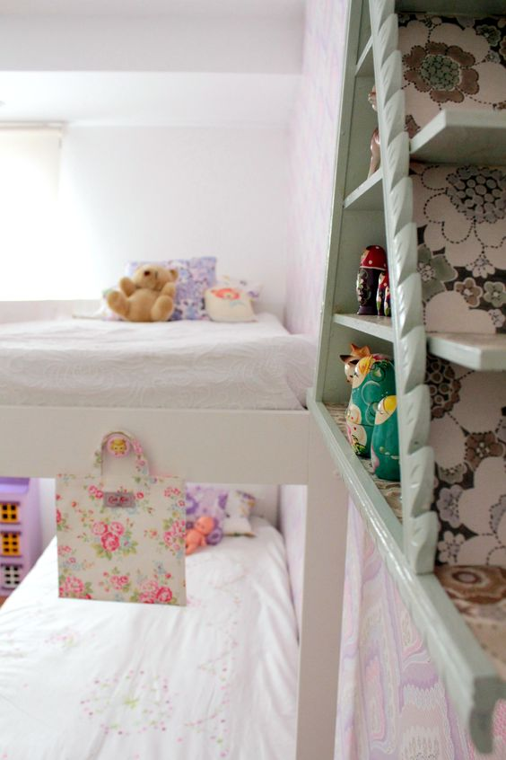 A view of the bunk bed...