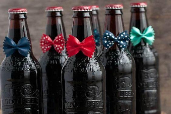 garrafas de gravatinha para dia dos pais. Mais em: http://weshareideas.com.br/blog/10-presentes-criativos-para-dia-dos-pais/