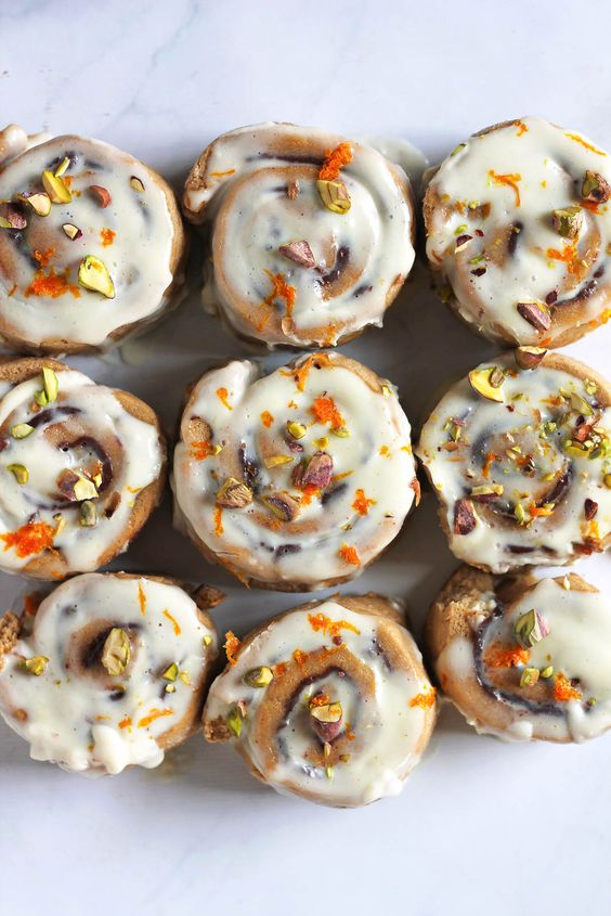 Vegan Whole Wheat Chocolate Cinnamon Rolls filled with pistachios and ...