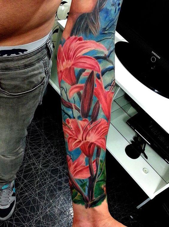 Bunte Lilien-Tattoo - 50  Beispiele für bunte Tattoos <3 <3