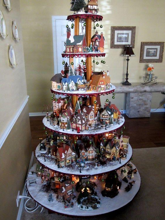 kerstdorp in zelfgemaakte kerstboom