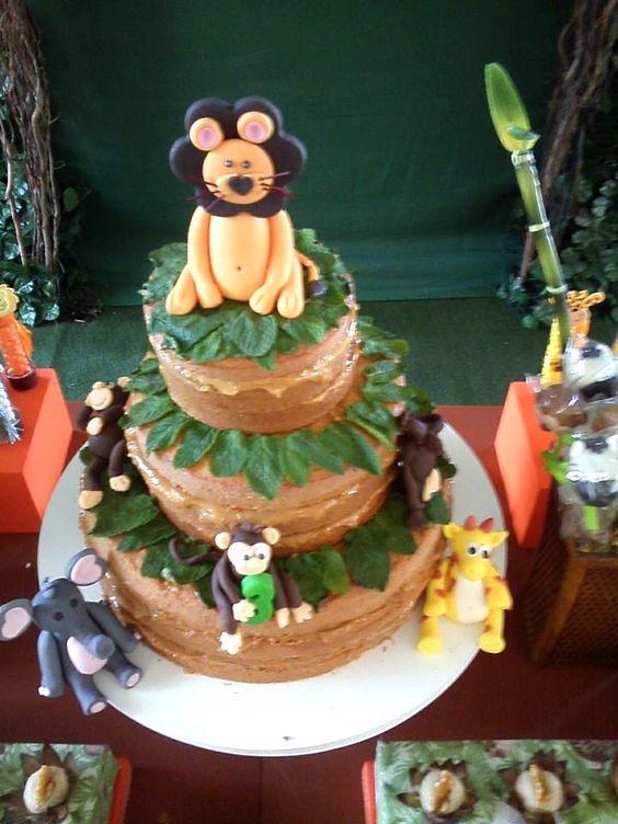 Naked cake infantil, tema Floresta