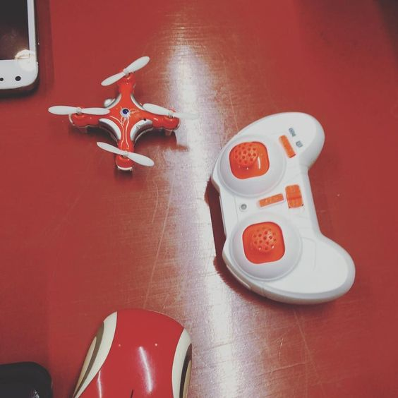 Mini #drone en la noche de  emprendedores #startupsnigths