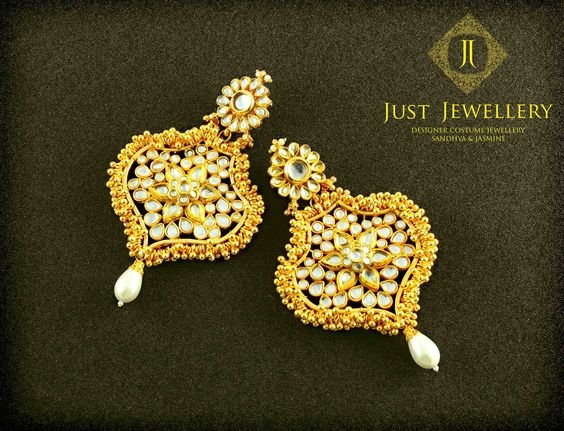 This lustrous golden jewellery is a perfect reason for a massive Sundown evening with Maxi's and Gowns or just the cliche traditional match. Price - 8500/- each  Place your order by sending us an email to justjewellery08@gmail.com