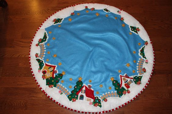Christmas Tree Skirt by Bethysdecorations on Etsy