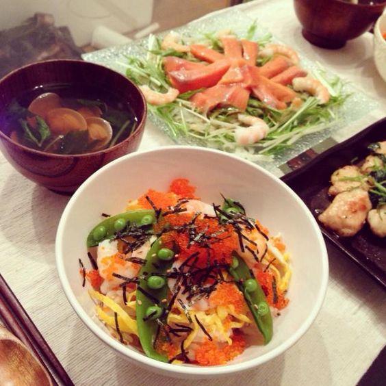 ひな祭りにちなんで♥︎ - 4件のもぐもぐ - ちらし寿司♥︎ハマグリお吸い物♥︎サーモンカルパッチョ♥︎三つ葉と胸肉ソテー by gomami240