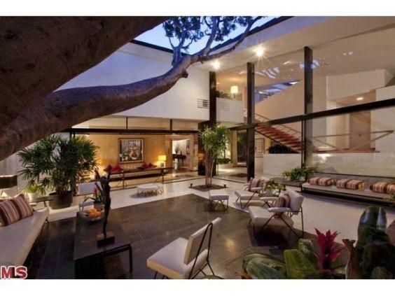 Brody Commissioned A Quincy Jones House Celebrity Houses House Flippers Ellen Degeneres