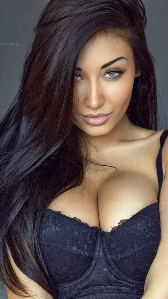 the most beautiful women I think I have ever seen on this page. perfection