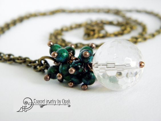 Long necklace with rock crystal and chrisocolla