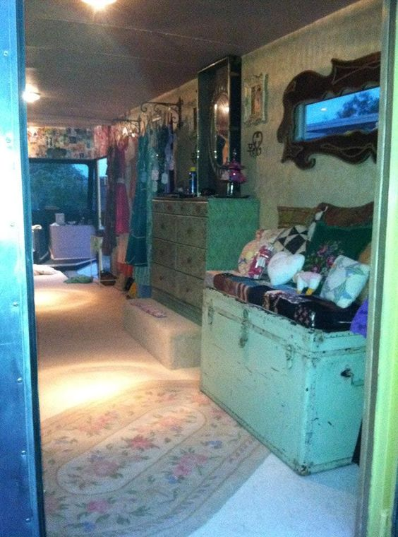 9 Amazing Mobile Home Bedrooms: Rani Robertson And Her Amazing Mobile Boutique: THE DRESS