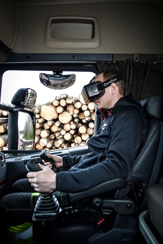 Hiab HiVision revolutionizes crane operation with Virtual Reality goggles