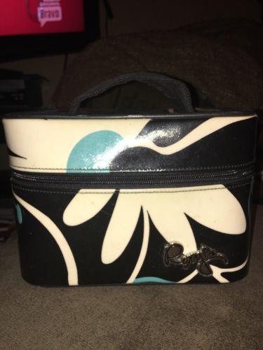 ROXY Floral hawaiian women's cosmetic travel case Black blue & Cream https://t.co/cfXx5Ifjo0 https://t.co/YvLty7kkkO