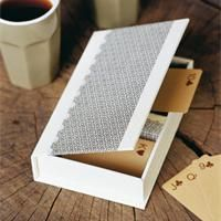 Boîte à jeux de cartes en carton Tuto cartonnage