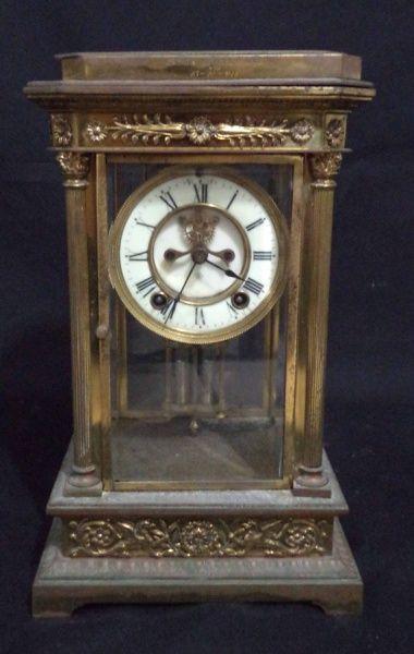 """Antigo relógio americano para cima de móvel ou lareira da marca """"Ansônia"""". Caixa em bronze d"""
