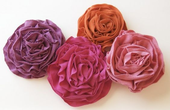 flower rosettes from t-shirts: