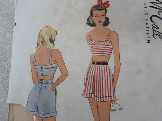 1948 reggiseno Top e Shorts, spiaggia vestito, tutina, per cucire modello 7270-Junior ragazze di sole Suit-Vintage anni ' 40 McCall taglia seno 8 26 di DaisygatorHome su Etsy https://www.etsy.com/it/listing/384777894/1948-reggiseno-top-e-shorts-spiaggia