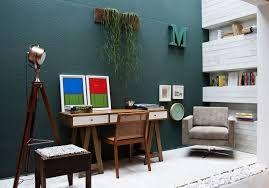 Resultado de imagem para como decorar com sofa preto