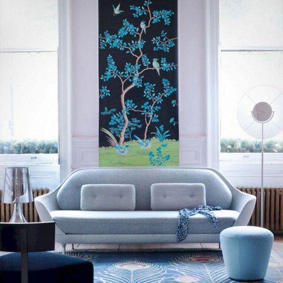水色のソファ