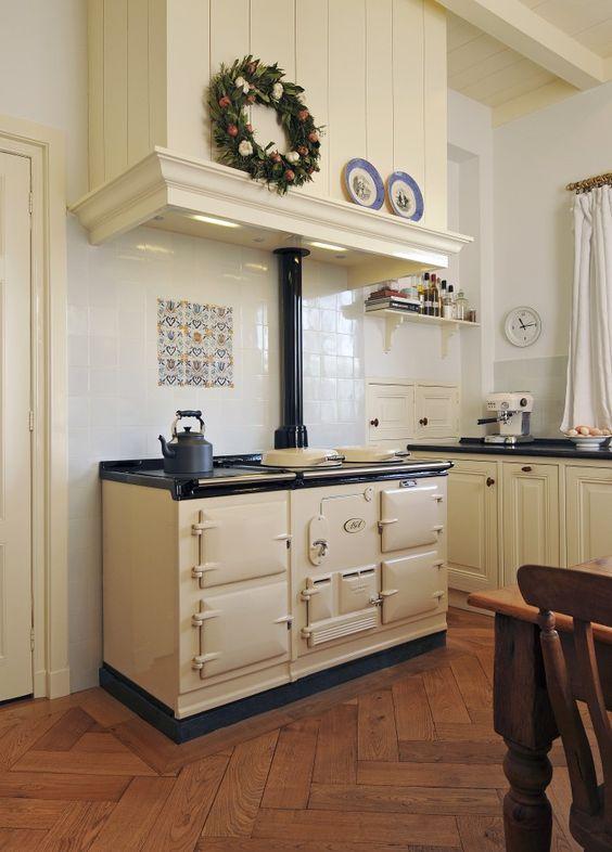 Handgemaakte keukens op maat aga living centre de zeug keuken pinterest - Vintage keukens ...