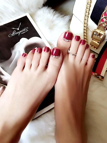 Red Crystal Accented Press On Toenails Fancier Living Burgundy Nail Art Toe Nails Red Toenails