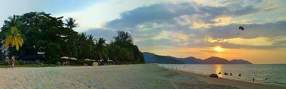 https://flic.kr/p/po4sAs   sunset at Batu Ferringhi   taken at the beach of the Rasa Sayang resort on Penang island.
