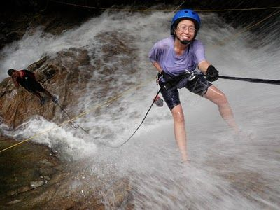 Kampar River also known as Sungai Itek is located 20 minutes away from Gua Tempurung and a mere 26 km from Ipoh town, it offers Grade I to III rapids which is a popular white water rafting destination in Gopeng, Perak.