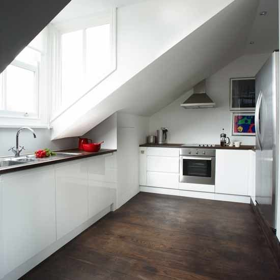 White minimalist kitchen Minimalist, Kitchens and Attic - küchen u form