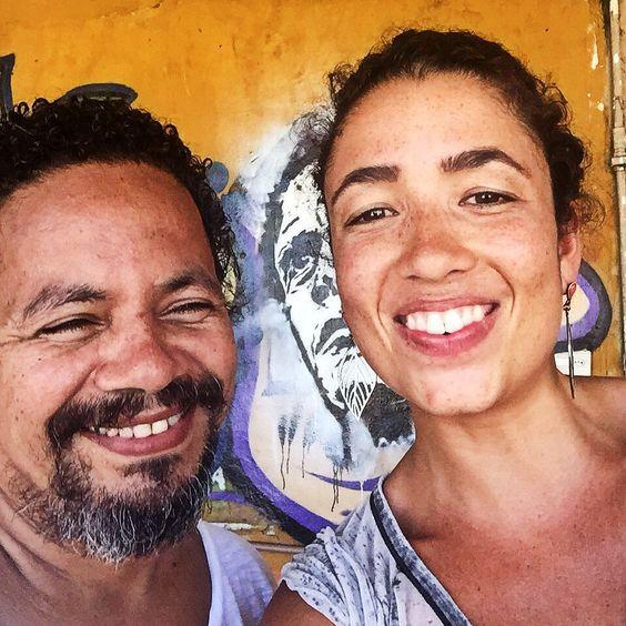 Avec Mauricio Hora #favela #tifanyario #art #providencia #streetart #enfants #beaute #1ere #outremer #guadeloupe #martinique #lareunion #mayotte #guyane #polynesie #nouvellecaledonie #spm #wallisandfutuna #bresil #brazil #girl #youtube #video #telenovela #globo #brazilian #french #lescouleursdelaliberte #webserie #rio by tifanyario