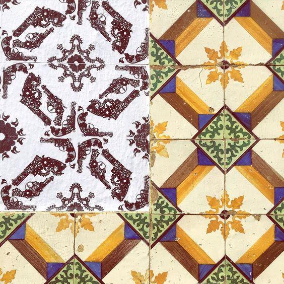 Chegamos em Lisboa e a primeira observação é de que existem muitos azulejos mas também a falta deles. #lamb #tile #azulejo #tilelover #tileaddiction #tileobsession #ilovepattern #instazulejo #azulejoportugues #tilesfromportugal #azulejoslisboa #lisboa #lisbon #portugal #pt by gomezgi