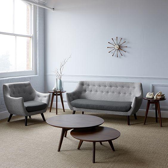 グレーのソファ