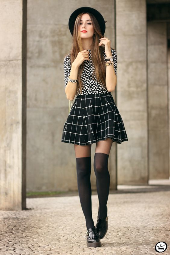 FashionCoolture - 26.05.2015 look du jour Black and white outfit polka dots top plaid skirt (1)