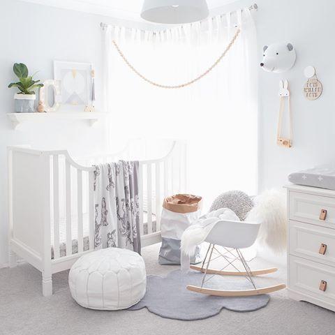Chambre de bebe tout en blanc - Sobriété ~ Design: