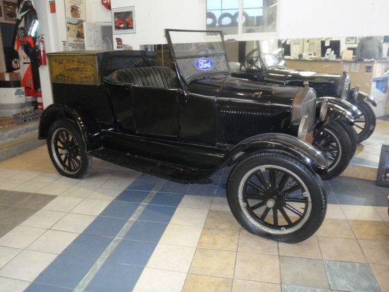 1927 Ford Model T ROADSTER UTILITY BOX TRUCK