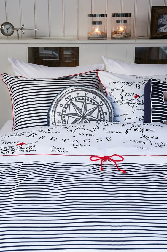 Nautical bedding:
