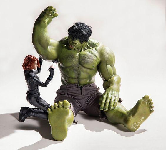 Black Widow cleaning Hulk's underarm