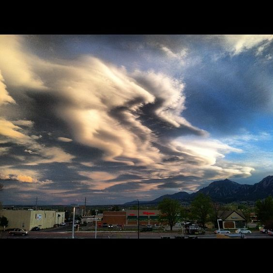 **Cloud Porn** in #Boulder #Colorado ...  #OnlyInBoulder