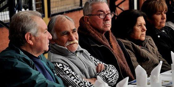 La Seguridad Social saca 1.000 millones de euros de la «hucha». Se calcula que, siguiendo este ritmo, a finales de 2017 el fondo de pensiones estaría vacío