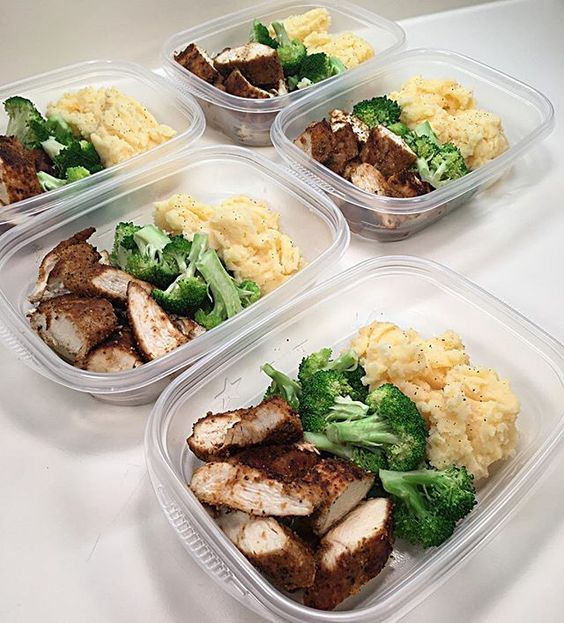 #MealPrepSunday complete  I'm ready for the week to come. Lunch: Cajun Chicken Breasts w/ Steamed Broccoli & Garlic Cheddar Mashed Cauliflower  Recipes on my website. Link in my bio. #PrepForSuccess #EatCarbsForWhat