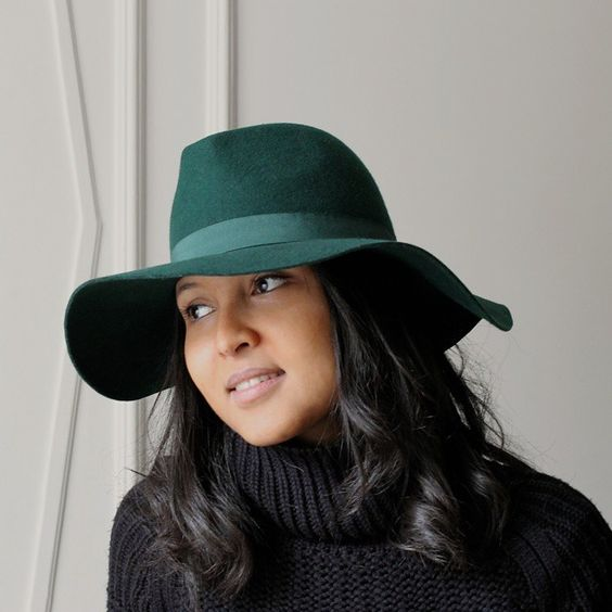 In love with this @liquorishonline green floppy hat !