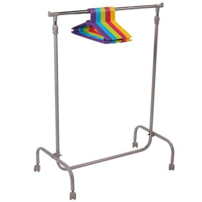 Portant vêtements à roulettes taupe, dim. 79,5x43x170 cm, métal, hauteur réglable. Vendu sans les cintres.: