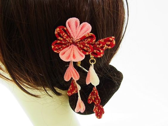 Tsumami zaiku Kanzashi valentine heart hair stick,pink and red flower by chirimenbunny on Etsy