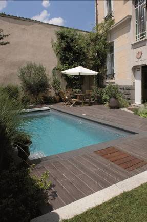 Petite piscine and spas on pinterest for Petite piscine bois