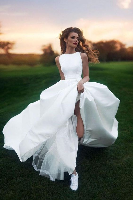7 Bridal Fashion Trends and What Venue They Look Best In (2021-2022) 16