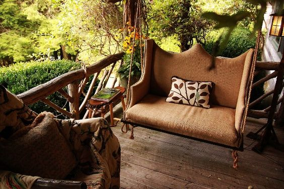 Porch swing. swoon.
