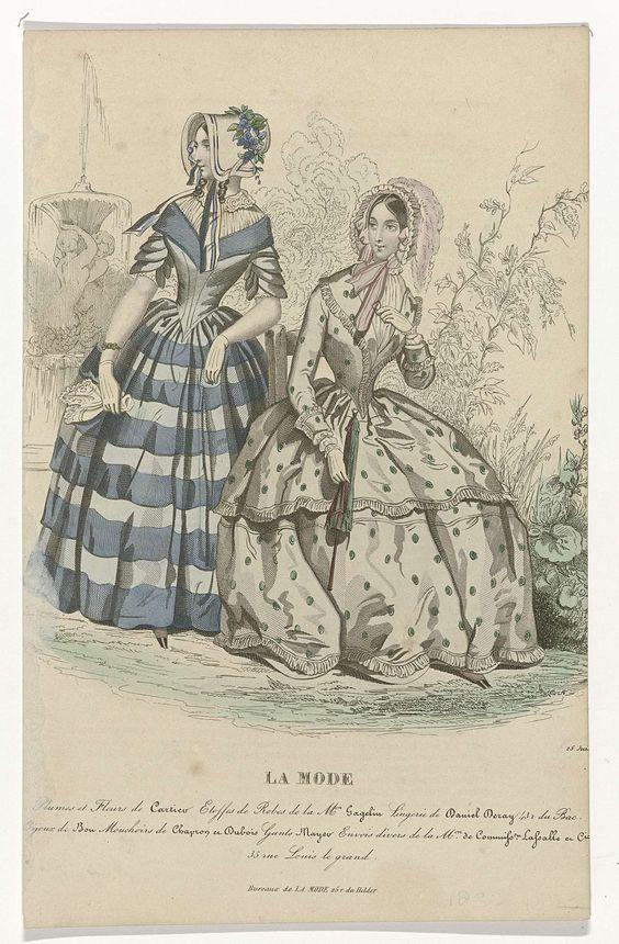 Anonymous | La Mode, 25 juin 1844 : Plumes et Fleurs..., Anonymous, 1844 | Twee vrouwen in een tuin, op de achtergrond een fontein. Links: japon met korte mouwen, puntig lijfje en wijde rok met blauw strepenmotief. Accessoires: luifelhoed met gestreepte striklinten en versierd met bloemen, korte handschoenen, zakdoek, armband. Rechts: japon met lange mouwen en wijde rok met groen stippenmotief. Sjaalkraag, manchetten en rok versierd met ruches. Poffende ondermouwen. Accessories: luifelhoed…